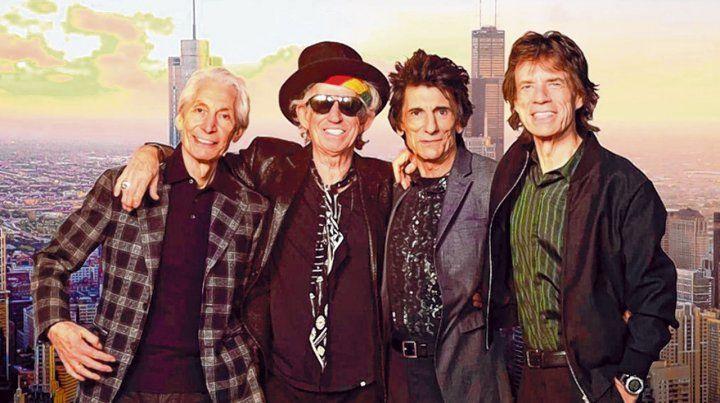 Incansables. Mick Jagger (derecha) reveló que la banda estuvo grabando hasta que se declaró la cuarentena.
