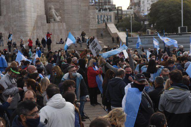Multitudinaria protesta en el Monumento: era por Vicentin y terminó siendo en contra del gobierno nacional