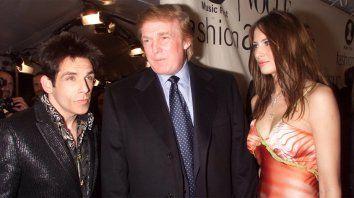 Fans del actor reclaman al cineasta que elimine su cameo con Trump.