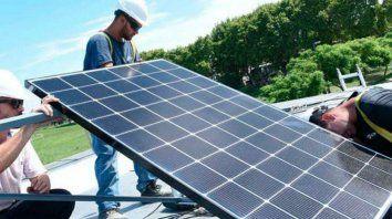 El proyecto promueve la autoproducción de energía a través de fuentes no convencionales.