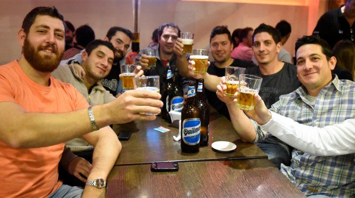 El Día del Amigo en Rosario se transformó en una jornada clave para el rubro gastronómico