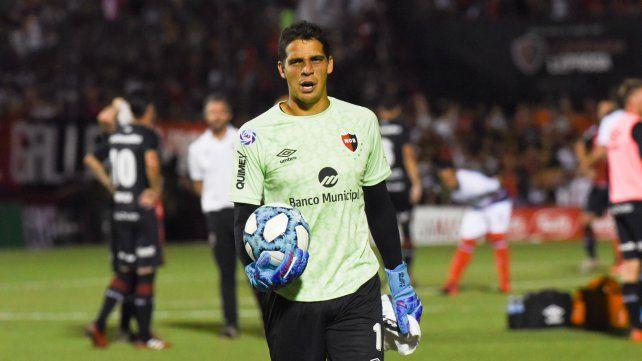 Alan Aguerre es el arquero titular inamovible en Newells. | FotoMarcelo Bustamante