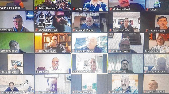 Zoom sanitario. Más de 80 directivos del fútbol escucharon con atención los consejos del médico Pedro Cahn sobre la manera de prevenir el coronavirus en el fútbol.