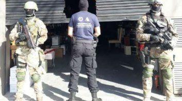 Depósito. La distribuidora de Mendoza al 4300 donde se almacenaban las máquinas secuestradas ayer.