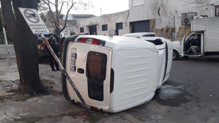 El fuerte impacto se produjo entre un Fiat Palio y una Fiorino.