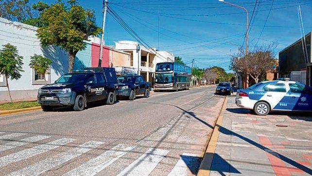 Demorado. El colectivo llegó el domingo a Santa Rosa de Calchines.