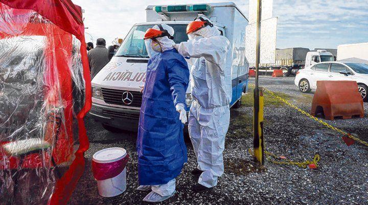 testeos. Los equipos de salud están abocados a la detección y seguimiento de los casos de Covid-19.