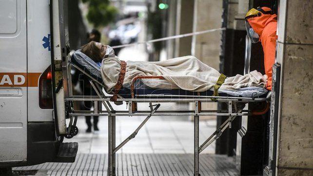 Murieron 121 personas de coronavirus, en un nuevo récord diario