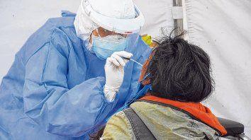 Los hisopados son una herramienta clave en la detección de casos de coronavirus.