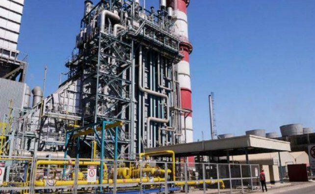 Aíslan a 19 empleados petroquímicos por un caso positivo en una planta
