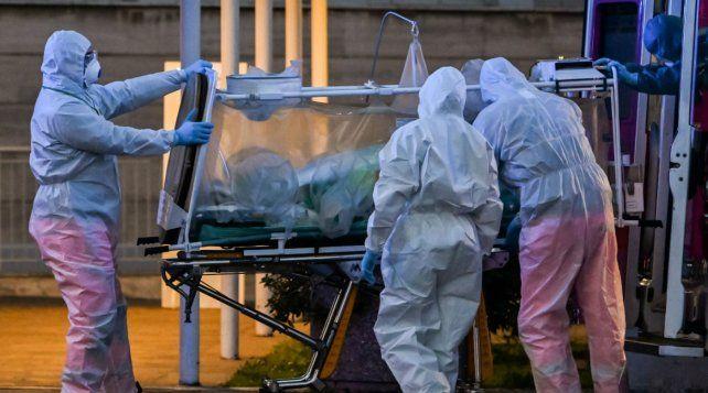 El gobierno nacional sigue con preocupación el aumento de casos y de fallecidos por coronavirus en Argentina.
