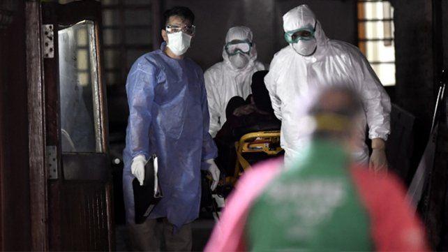 Hubo 153 muertes y 6.377 contagios: el peor día del Covid-19