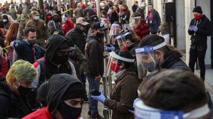Los chilenos retiraron en masa ahorros de sus jubilaciones
