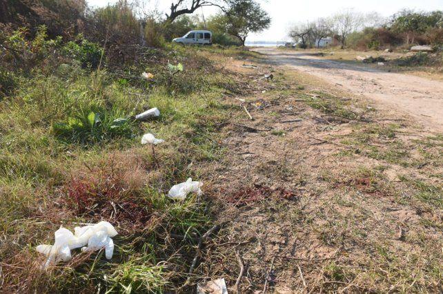 El lugar donde fueron acribillaron dos jóvenes en villa G. Gálvez.
