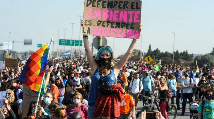 La cabecera Rosario del puente estaba colmada de gente.