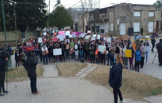 Autoconvocadas. Las mujeres lideraron el reclamo en la plaza.