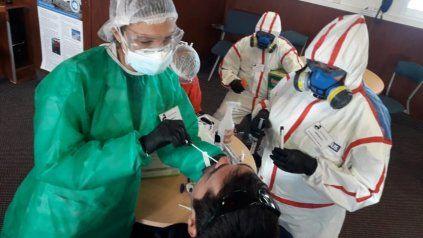 Síntomas sospechosos del virus: agregan cefalea, diarrea y vómitos
