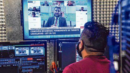 videoconferencia. Los legisladores participaron ayer de una reunión en modo virtual.