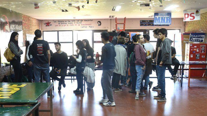 Inmobiliarias de Rosario admiten que estudiantes del interior ya no vuelven a la ciudad