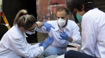 Ayer se detectaron en la ciudad 59 casos, y otros 42 en el resto del territorio santafesino.