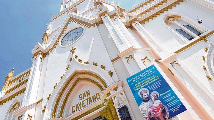 Este año San Cayetano peregrina a todas las casas