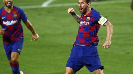 Messi celebra su gol, el segundo del Barcelona, tras una jugada de otro planeta.