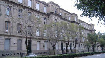 Centenaria. La Facultad de Ciencias Exactas, Ingeniería y Agrimensura cumplió 100 años el 31 de julio.