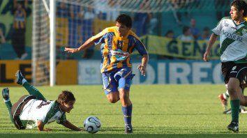 Emiliano Vecchio es el primer jugador que se sumará al plantel del Kily González. Firmará hoy en Central por 18 meses.