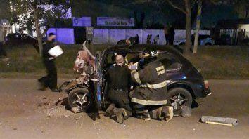 Un muerto tras un tremendo choque de un auto contra un colectivo en Fray L. Beltrán