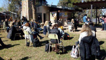 Los concejales sesionan en la isla El Espinillo para debatir la quema de pastizales