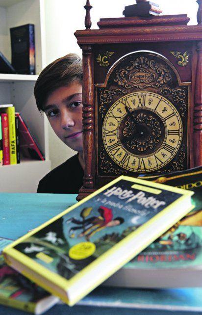 Felipe es un fiel lector de Harry Potter, la saga creada por J.K.Rowling.