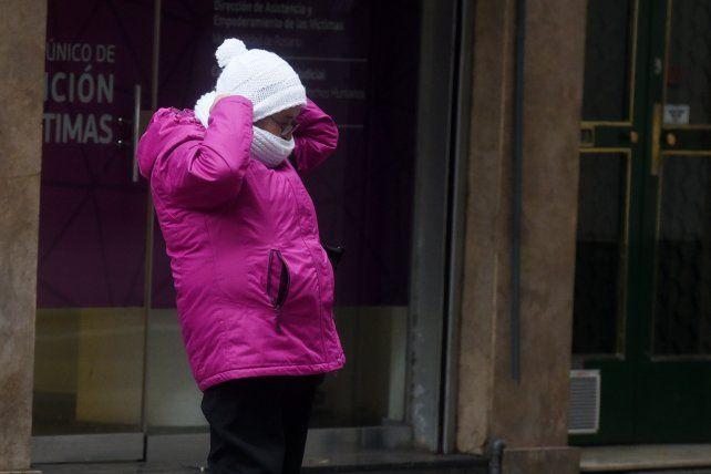 Rosario arrancó el jueves con temperatura bajo cero, pero el sol trae un poco de alivio