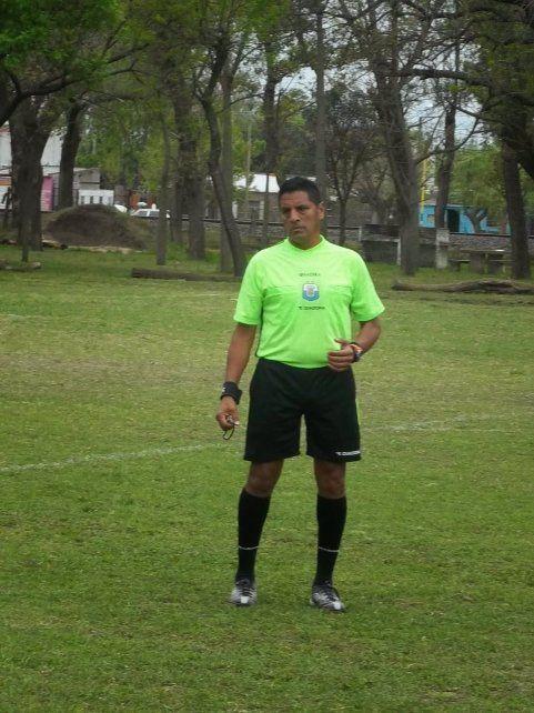 Vigente: Marcelo Villafañe lleva 35 años dirigiendo el fútbol de la Rosarina. Jugó en todas las categorías, baby, inferiores y primera división.