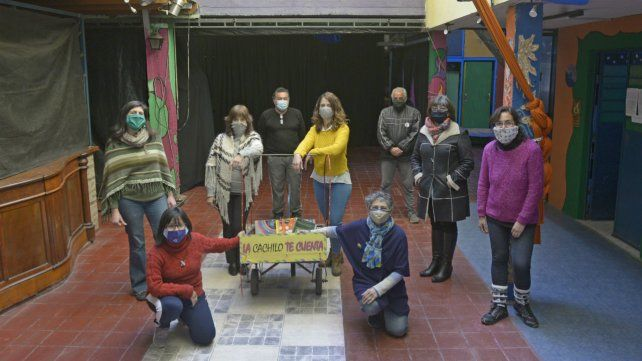 Parte del equipo de trabajo de la Biblioteca Cachilo recordaron historias de la entidad.