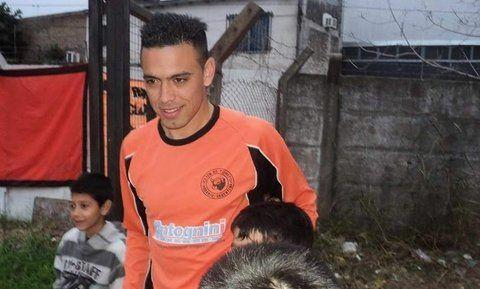 Emocionado.  Nery Domíguez siempre está pendiente con el club. Lleva un tatuaje del Toro en el gemelo de la pierna derecha.