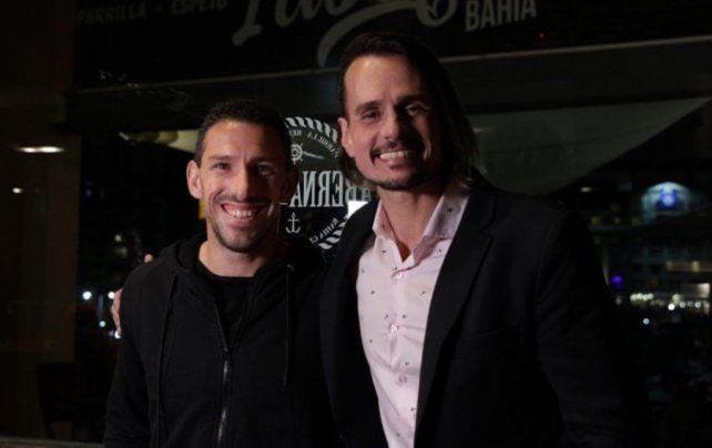 Maxi Rodríguez y Christian Sancho durante una pausa del rodaje.