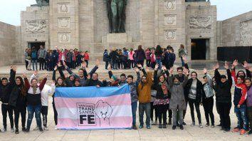 Perotti reglamentó la ley de cupo laboral travesti trans en la provincia