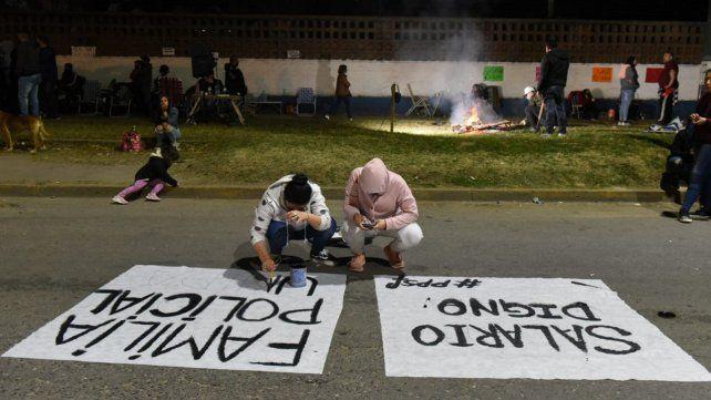 En Rosario se montó una protesta frente a la <a href=