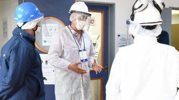 SUPERVISIÓN. Los agentes de control visitan locales y verifican el cumplimiento de las medidas de prevención contra el Covid-19.