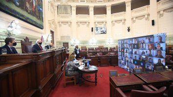 Miguel Lifschitz presidió la sesión virtual de la Cámara de Diputadas y Diputados provincial.