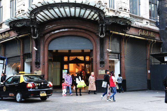 Falabella se achica, pero el local de Rosario seguirá abierto
