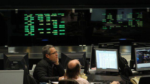 Los bonos de la  deuda cayeron el primer día de operación plena