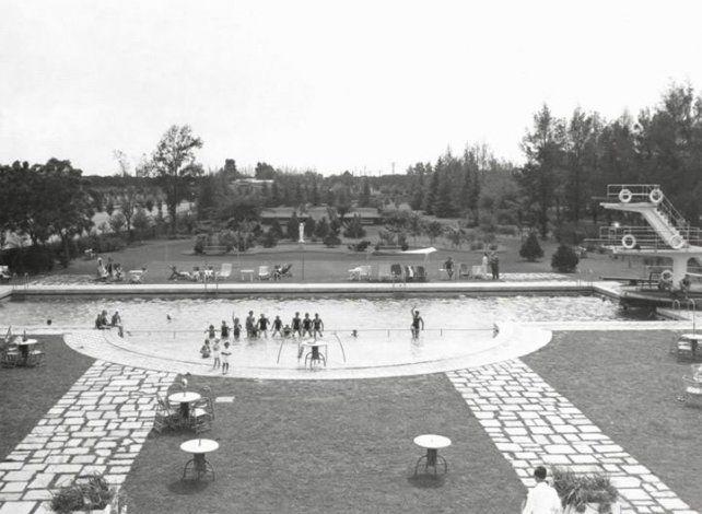 En 1936 se inaugura la pileta de La Dulce en el Country de Fisherton