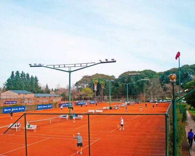 En la actualidad, la infraestructura de tenis del Jockey Club es una de las más importantes del país