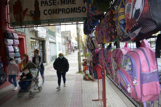 Al público que camina por Juan José Paso, se suman los seguidores en los perfiles de cada local.