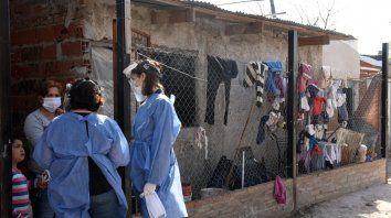En la último día de la semana, más de 300 familioas de barrio Industrial fueron visitadas puerta a puerta por los equipos de atención primaria de la salud.