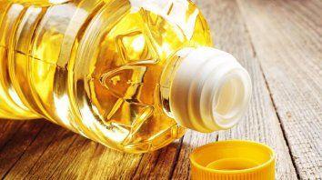 Se vuelve viral un video que explica cómo se abre correctamente el aceite
