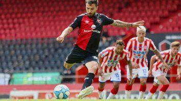 Newells empató su primer amistoso ante Unión con un gol de penal de Scocco