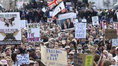 Unos 15 mil negacionistas se reunieron en Trafalgar Square, en el corazón de Londres.