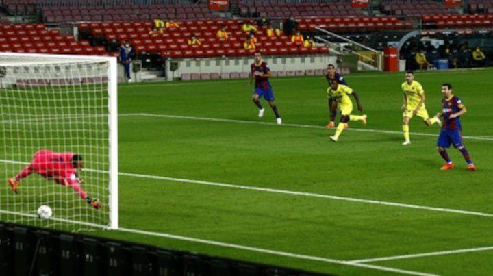 Messi metió el tercero de penal.